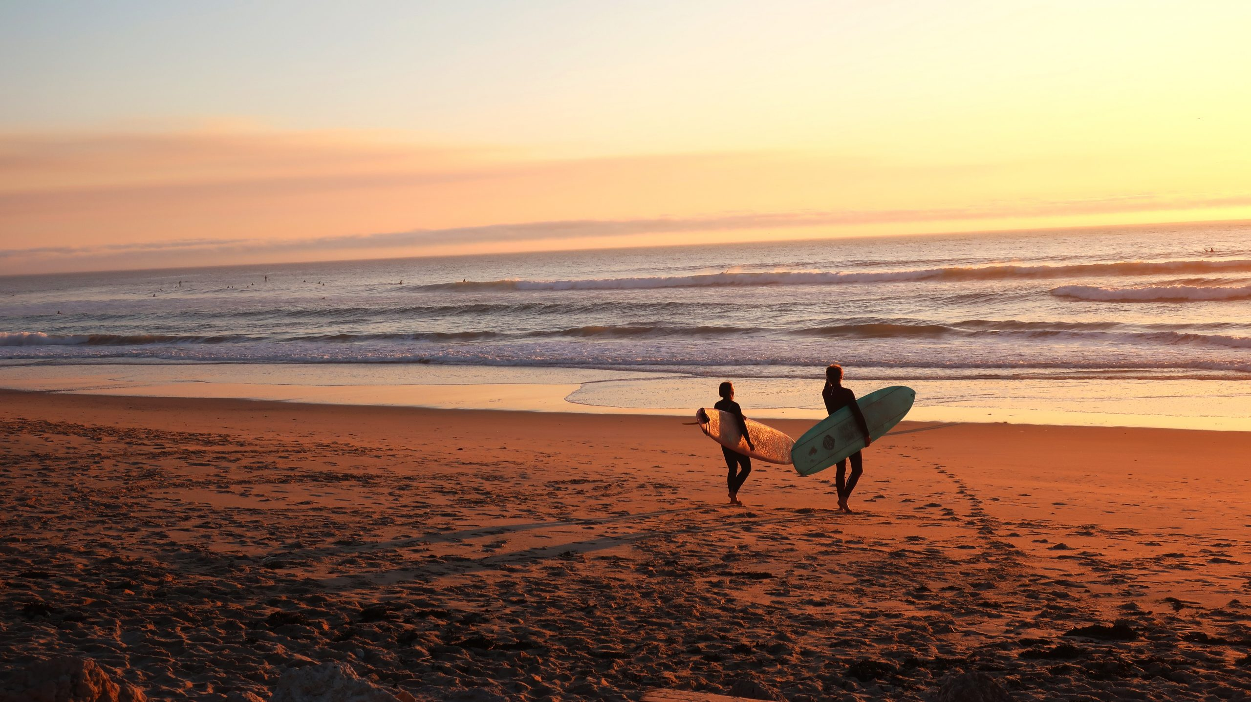 4 Reasons Why Surfing is Fun
