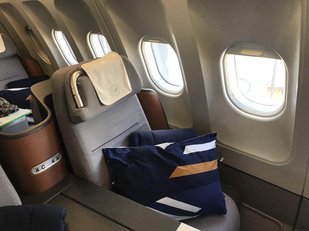 Lufthansa A340 business class seat