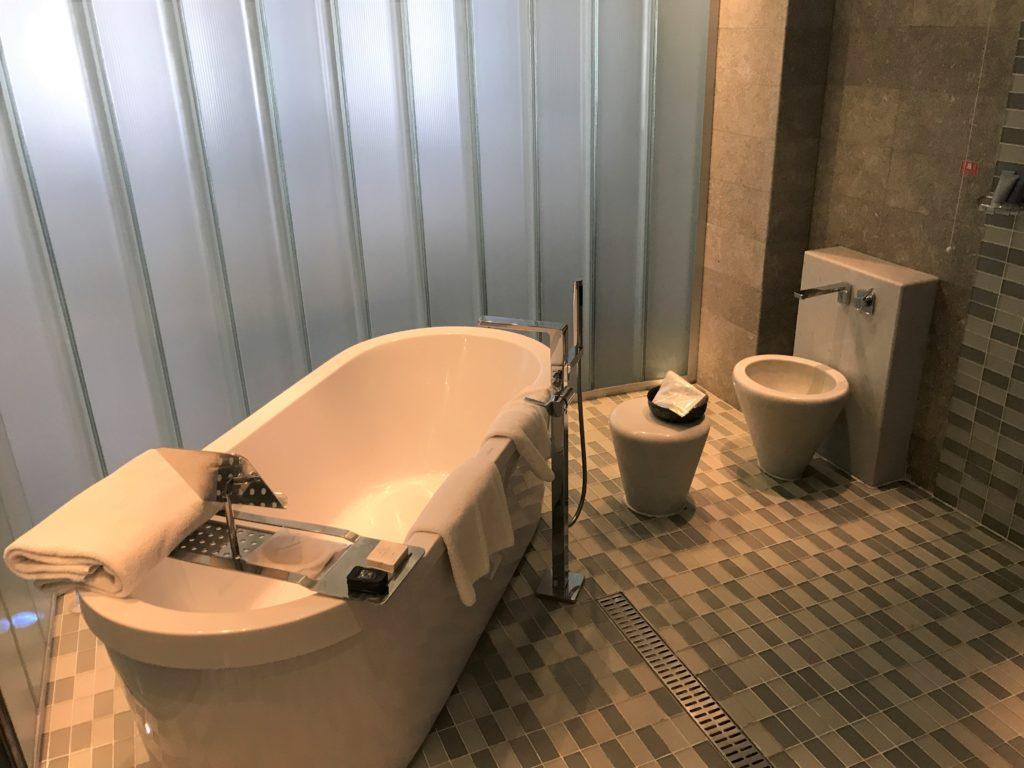 Park Hyatt Istanbul tub