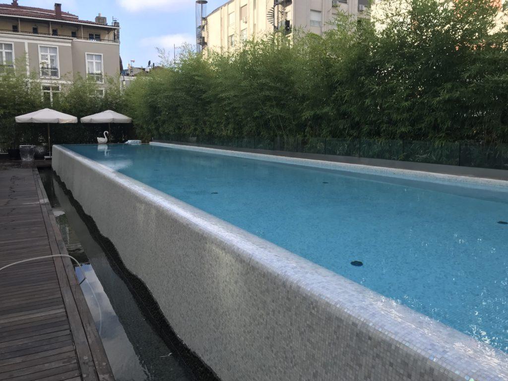 Park Hyatt Istanbul pool