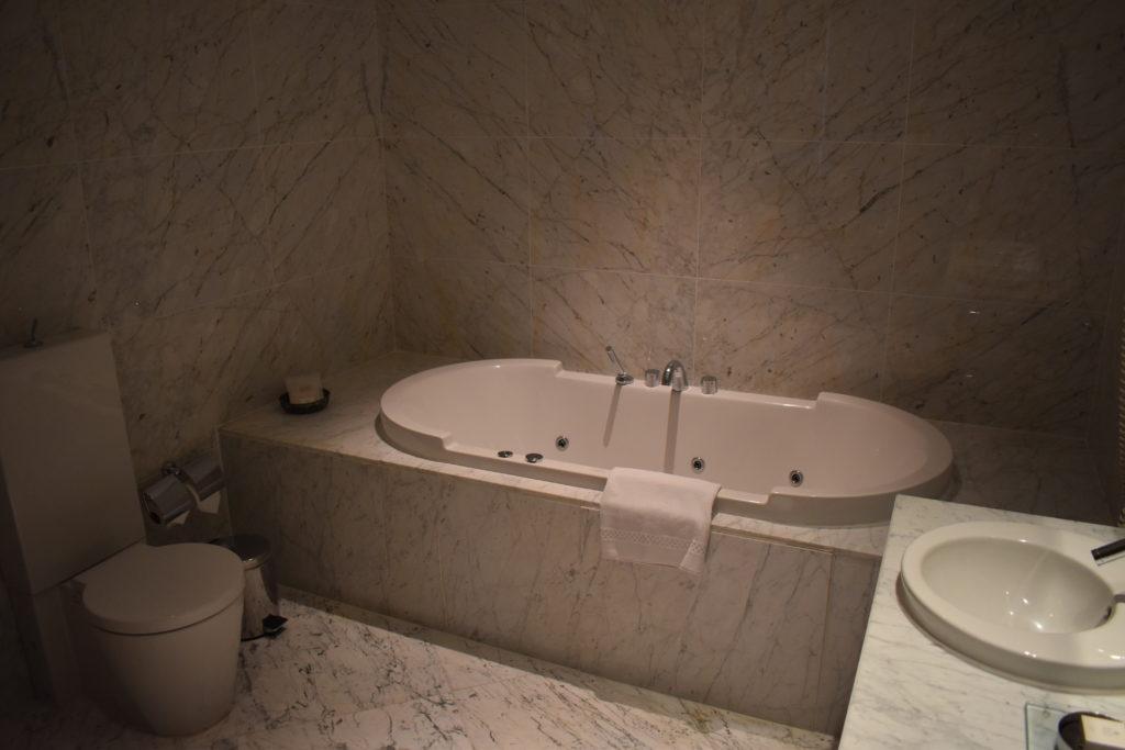Tomtom Suites Istanbul bathtub